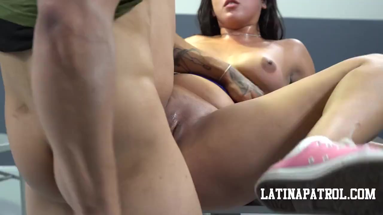 Мексиканка переспала с пограничником