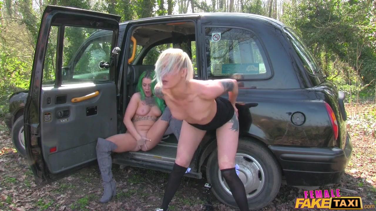 Когда водитель такси - бисексуальная женщина