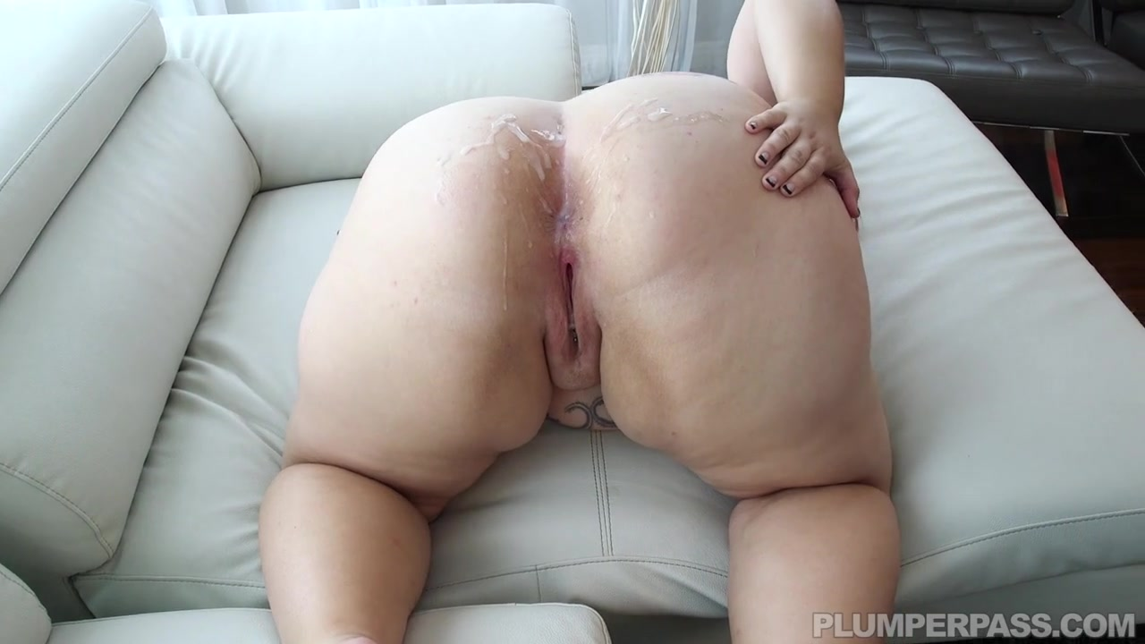 Выеб рыжую толстуху и обкончал жирную жопу