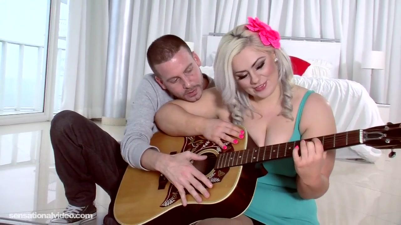 Уроки гитары переросли в секс