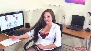 Первый день на работе шикарной секретарши - скриншот #5
