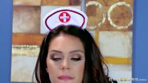 Анал с пышной медсестрой - скриншот #2