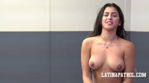 Мексиканка переспала с пограничником - скриншот #21