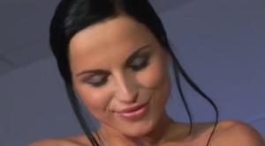 Лесби секс роскошных медсестер - скриншот #21