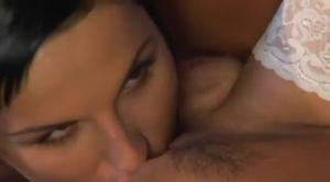 Лесби секс роскошных медсестер - скриншот #7