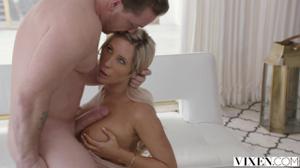 Классический секс с блондинкой - скриншот #4
