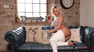 Попка английской блондинки - скриншот #11