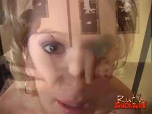 Беременная блондинка захотела негра - скриншот #7