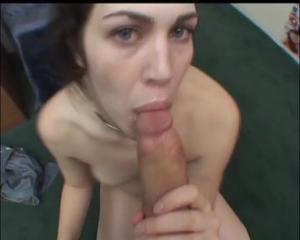 Завафлили красотку и прикормили спермой - скриншот #7