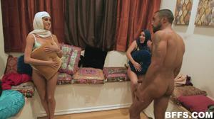 Султан обучает своих жен премудростям секса - скриншот #12