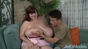 Подарил симпатичной толстушке оргазм - скриншот #1
