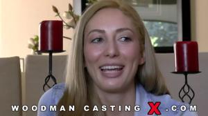 Начинающая порно модель Angelica Saige разделась на кастинге - скриншот #10