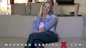 Начинающая порно модель Angelica Saige разделась на кастинге - скриншот #13