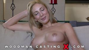 Начинающая порно модель Angelica Saige разделась на кастинге - скриншот #21