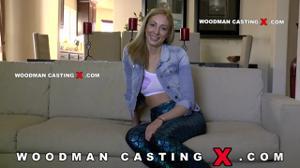 Начинающая порно модель Angelica Saige разделась на кастинге - скриншот #4