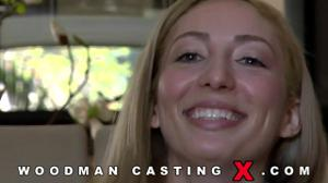 Начинающая порно модель Angelica Saige разделась на кастинге - скриншот #6