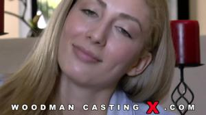 Начинающая порно модель Angelica Saige разделась на кастинге - скриншот #7