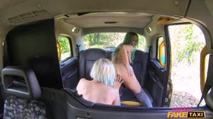 Когда водитель такси - бисексуальная женщина - скриншот #11