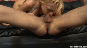 Отвафлил и отъебал худую блондинку - скриншот #10