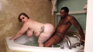 С негром в ванной - скриншот #9
