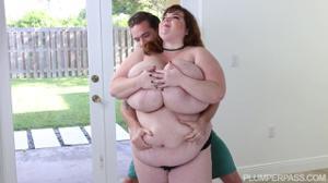 В гостях у жирной соседки - скриншот #4