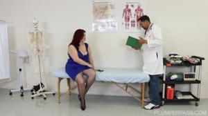 Гинеколог соблазнился толстушкой - скриншот #1