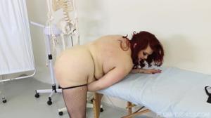 Гинеколог соблазнился толстушкой - скриншот #9