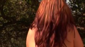 Ванесса дает негритосу - скриншот #1