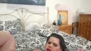 Смачная француженка поебалась в киску - скриншот #12