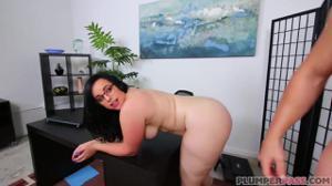 Анал с крупной женщиной - скриншот #21