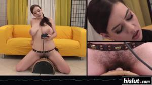 Женщина с большой грудью испытывает секс машину на себе - скриншот #11