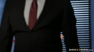 Грудастая бизнес-леди изысканным сексом уговорила партнера подписать договор - скриншот #21
