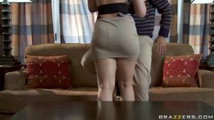 Домохозяйка предпочитает быть активной в сексе - скриншот #21