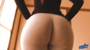 Девушка из Аргентины в леггинсах - скриншот #14