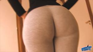 Девушка из Аргентины в леггинсах - скриншот #4