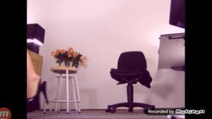 Вот чем занимается женщина на работе - скриншот #2