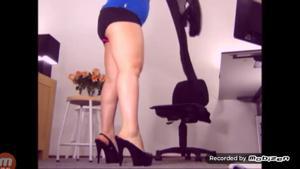 Вот чем занимается женщина на работе - скриншот #5