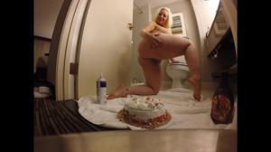 Своеобразный торт на День Рождения - скриншот #1