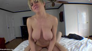 Секс от первого лица со взрослой дамочкой - скриншот #15