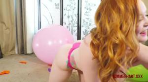Рыжая на шарах - скриншот #13
