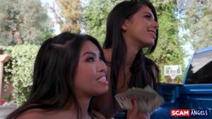 Три студентки потрахались с мужиком за деньги - скриншот #21