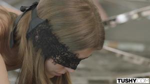 Элла лижет жопу парню и ебется в анус - скриншот #1