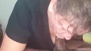 Пожилая баба и черный любовник - скриншот #6