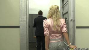 Перепихон на складе с сочной дамой - скриншот #1
