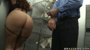 Перепихон на складе с сочной дамой - скриншот #2