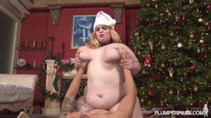 Секс с жирной под елочкой - скриншот #16