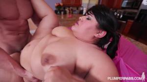 Праздничный секс жирухи - скриншот #15