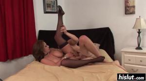 Шикарная женщина сношается с мужиком - скриншот #12