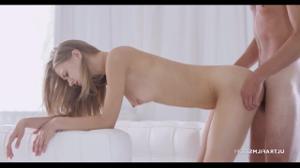 Нежный секс с худенькой блондинкой - скриншот #10
