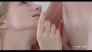Нежный секс с худенькой блондинкой - скриншот #7